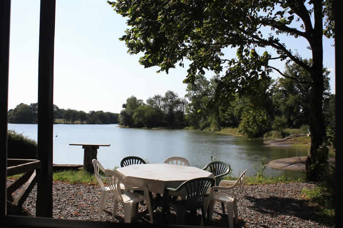 Les Chateliers Carp Fishing Lake In France Gite Accommodation